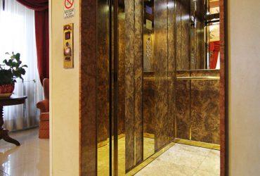 cabina ascensore Torino